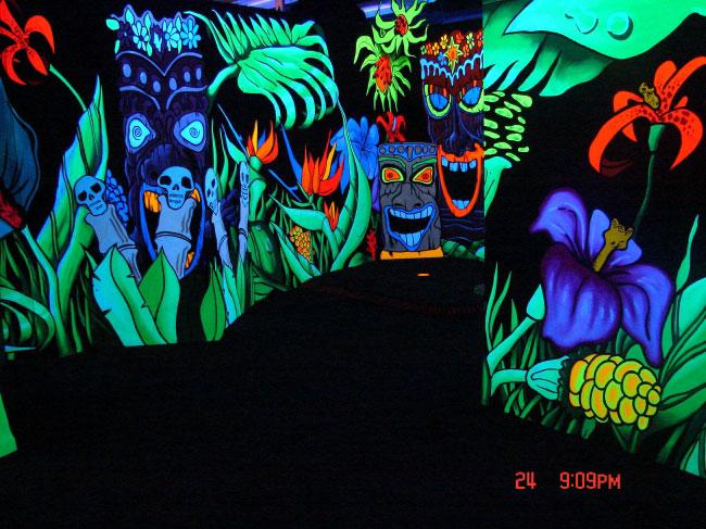 Blacklight mini golf at waikiki shopping center tropical theme hole