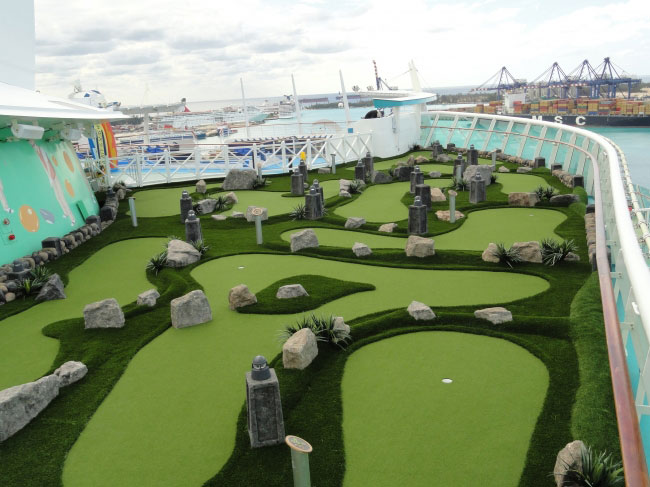 Cruise lines mini golf holes